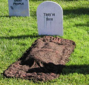 Freshly Dug Grave Halloween Yard Decoration