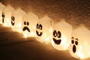 DIY Fun Halloween Decorations Spirit Jugs
